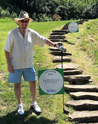 Photo - Dr. Mandybur at Putting for Parkinsons